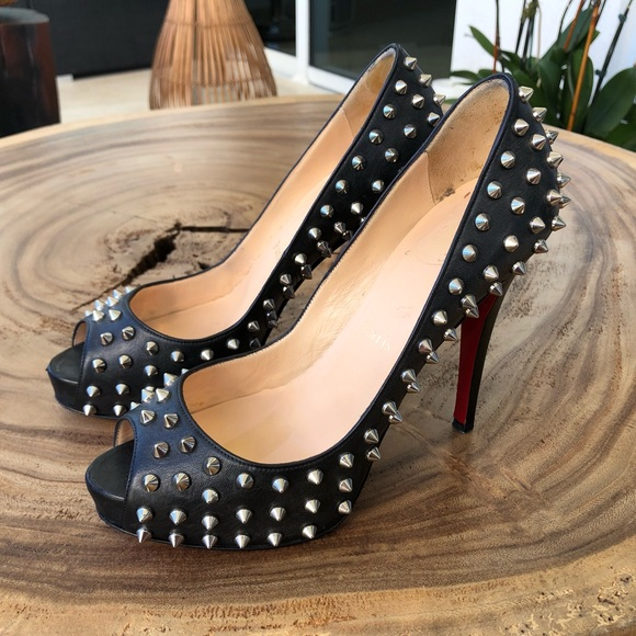 46d409f01f2 Christian Louboutin Very Prive Toe Spikes 37